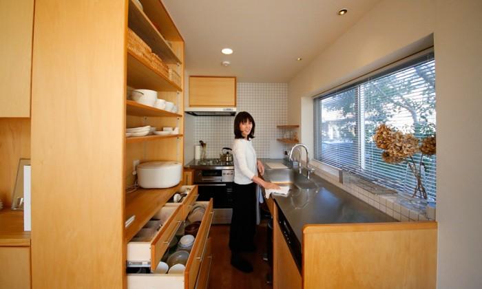 森山尚美さんの整理収納アドバイス余白を残して美しくミニマルな暮らしが心地よい