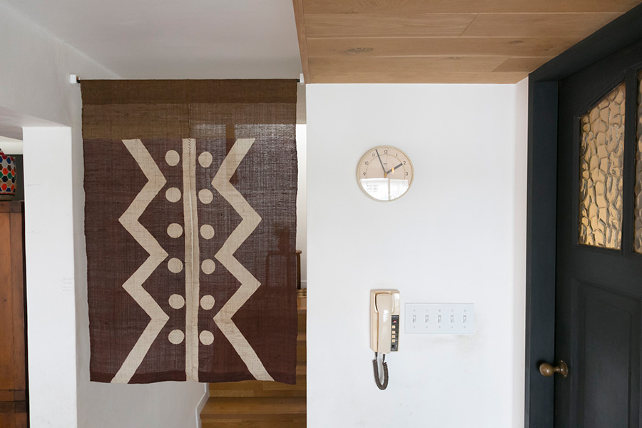 日本の民藝とモダンデザイン、アンティークがセンスよく融合している和田邸。