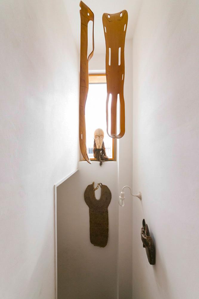 「10数年前にイームズ展でレッグスプリントを吊った展示を見てから、いつか自分の家でも吊りたいと思っていました」