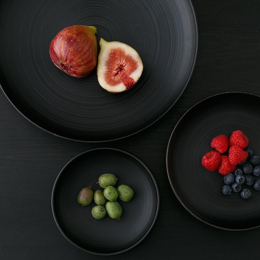 和食はもちろん、フルーツやチーズを盛り付けてもお洒落。