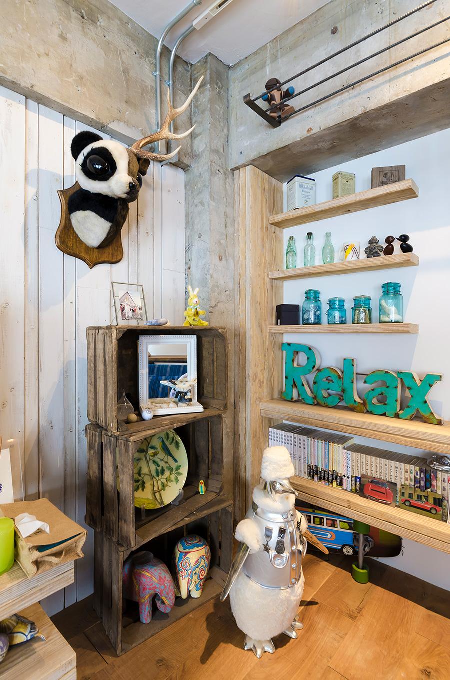 角の生えたパンダの壁掛けは、お店のディスプレイにひと目惚れして売ってもらったお気に入り。