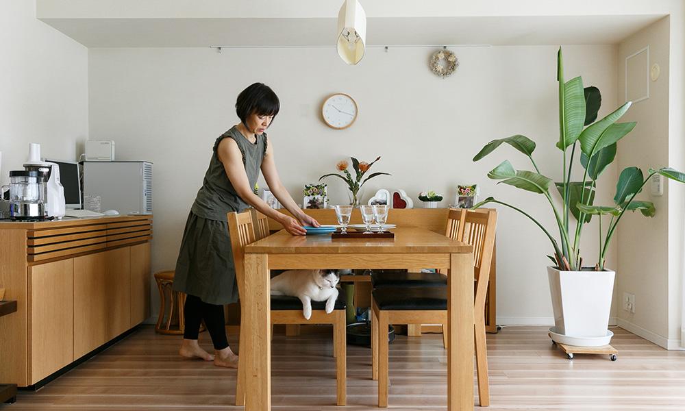 自宅で教室をひらく料理とヨガ、愛猫と一緒のナチュラルな暮らし ...