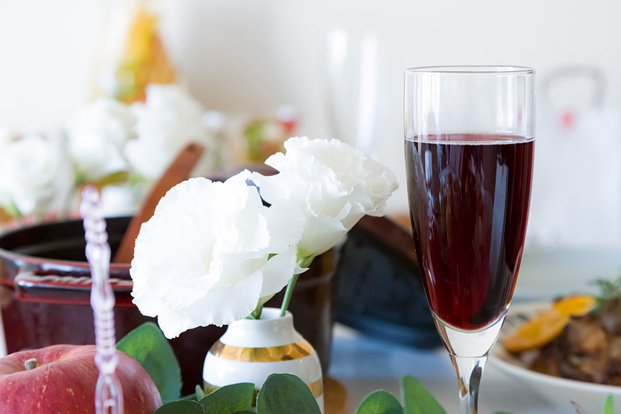 提供するワインは、産地や品種などを調べておき、会話のネタにするのもよい。
