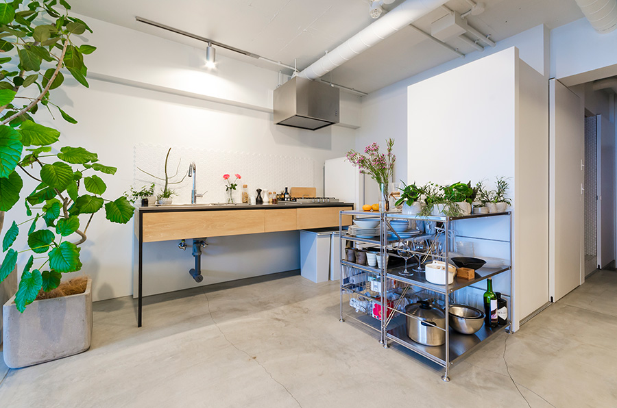 電化製品、ゴミ箱、食器棚などは全て四角形で統一。