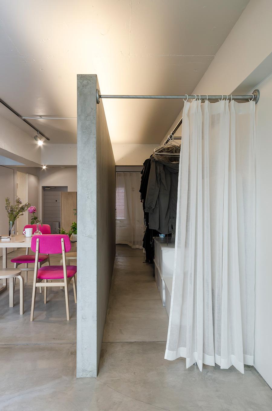 空間を仕切るのは壁ではなくパーテーション。