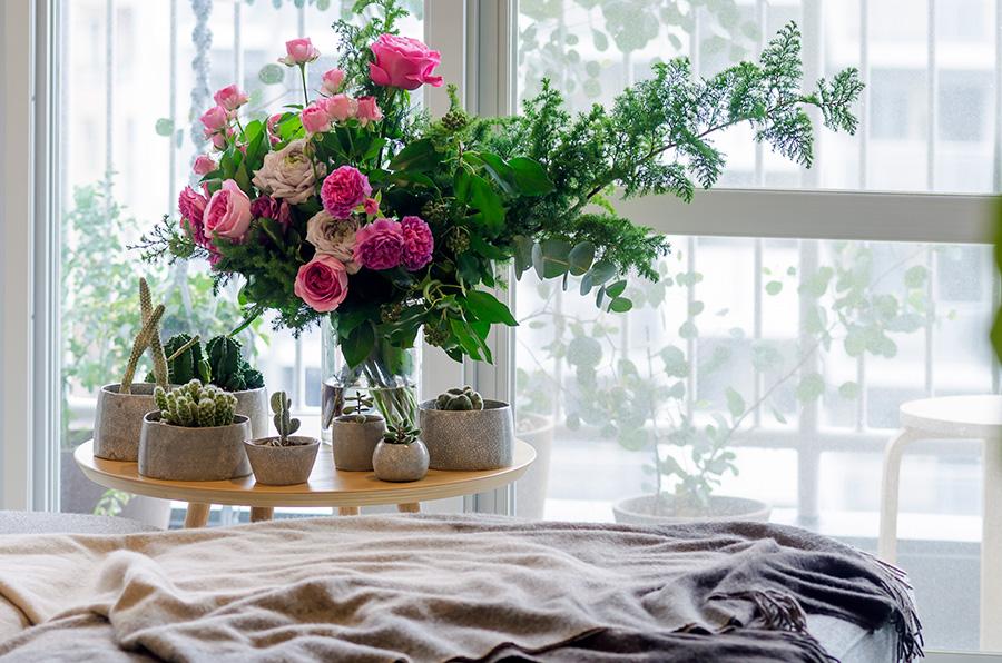 週に1度は近所の花屋さんで切り花を買ってきて飾る。