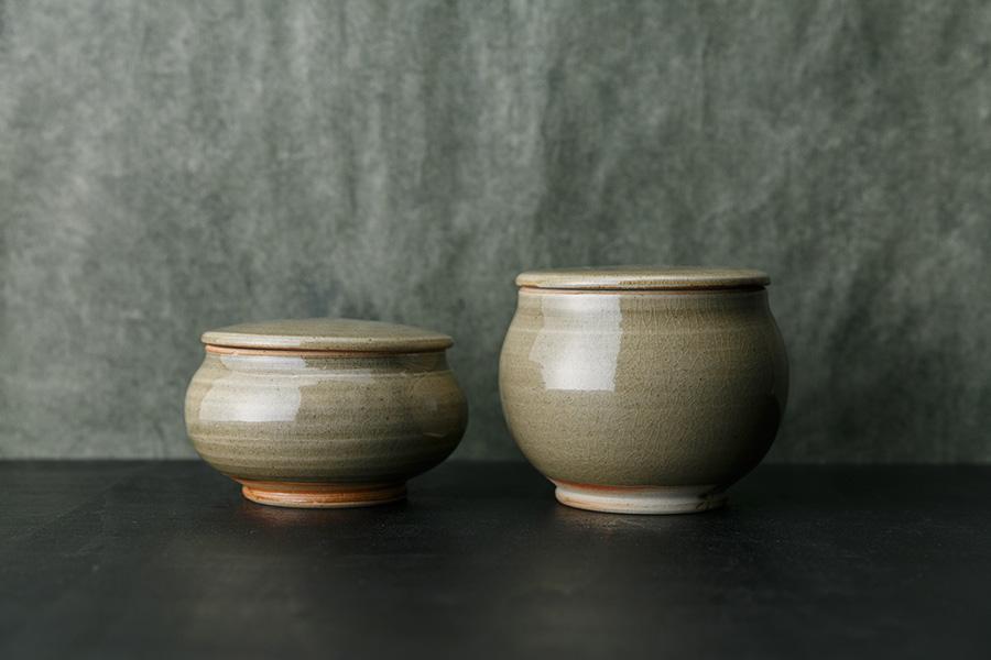透明釉:4寸蓋付平鉢 φ130 H70mm ¥3,500 4寸蓋付丸鉢 φ130 H125mm ¥4,000