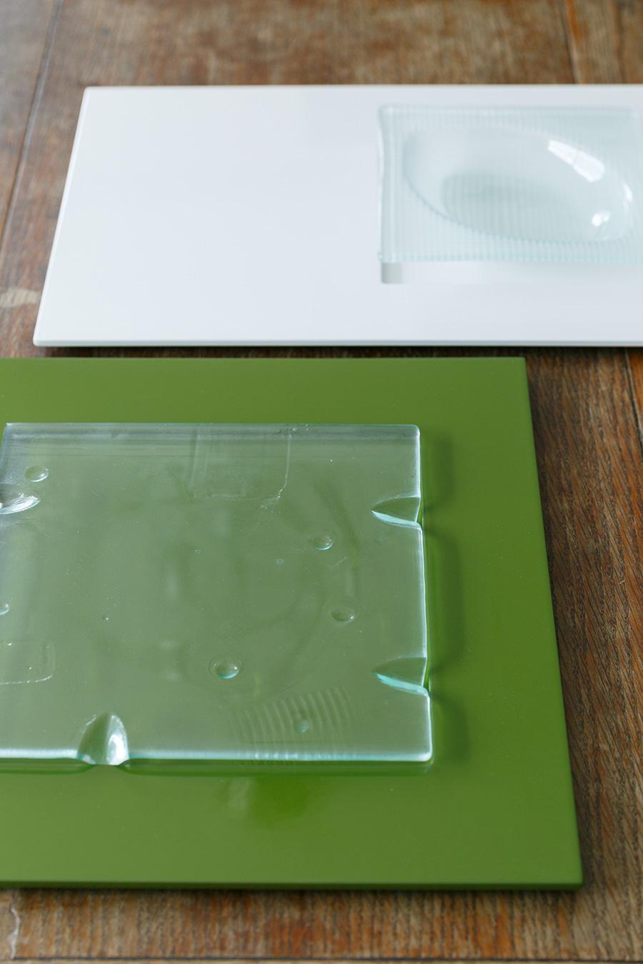オンラインストア「ワンオーバーエフ」で購入した漆の器は、和モダンなテイストがお気に入り。漆器にガラスを組み合わせるのが山口さん流。