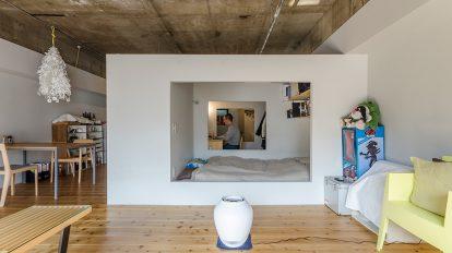 独創的なワンルーム白い箱が叶えたプライベート空間