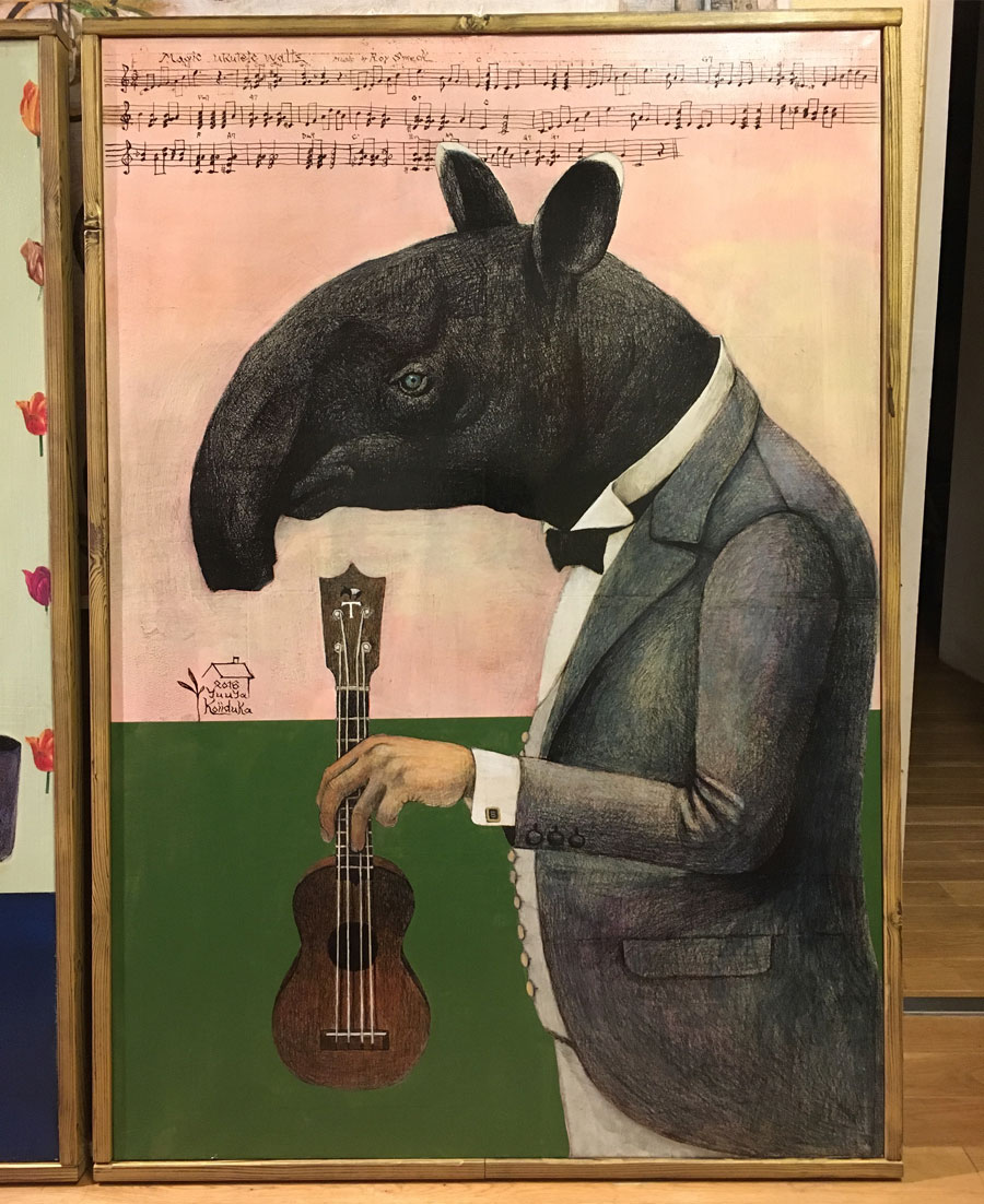 """リビングに飾られた祐八さんの作品『********』。テーマは""""人間未満""""。2017年8月26日〜9月3日渋谷のOCO GALLERY(http://ocogallery.jp)で個展を開催。"""