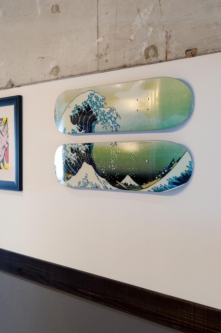 「富嶽三十六景」モチーフのスケートボード。
