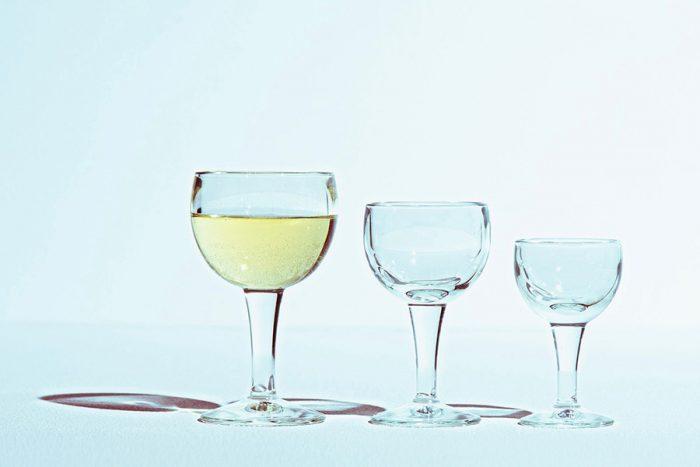 バロンワイングラス 左から 260cc φ85 H150mm ¥1,100 140cc φ75 H135mm ¥1,000 80cc φ65 H110mm ¥1,000