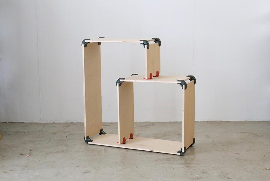 複雑そうに見えるネスティングボックスは、7枚の板と16個のPLAYWOODを組み合わせたもの。木材は、50cm✕30cm✕4枚、80cm✕30cm✕2枚、25,9cm✕30cm✕1枚を使用。