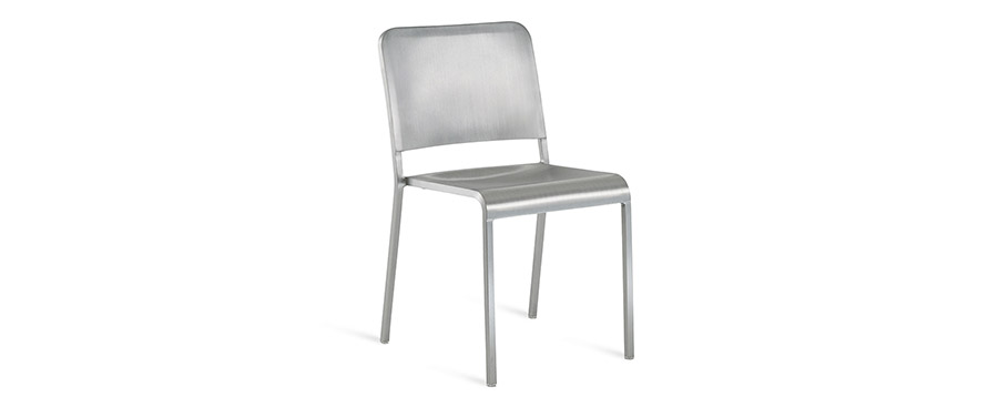 20-60™ STACKING CHAIR W470 D500 H800 SH460mm ¥105,000