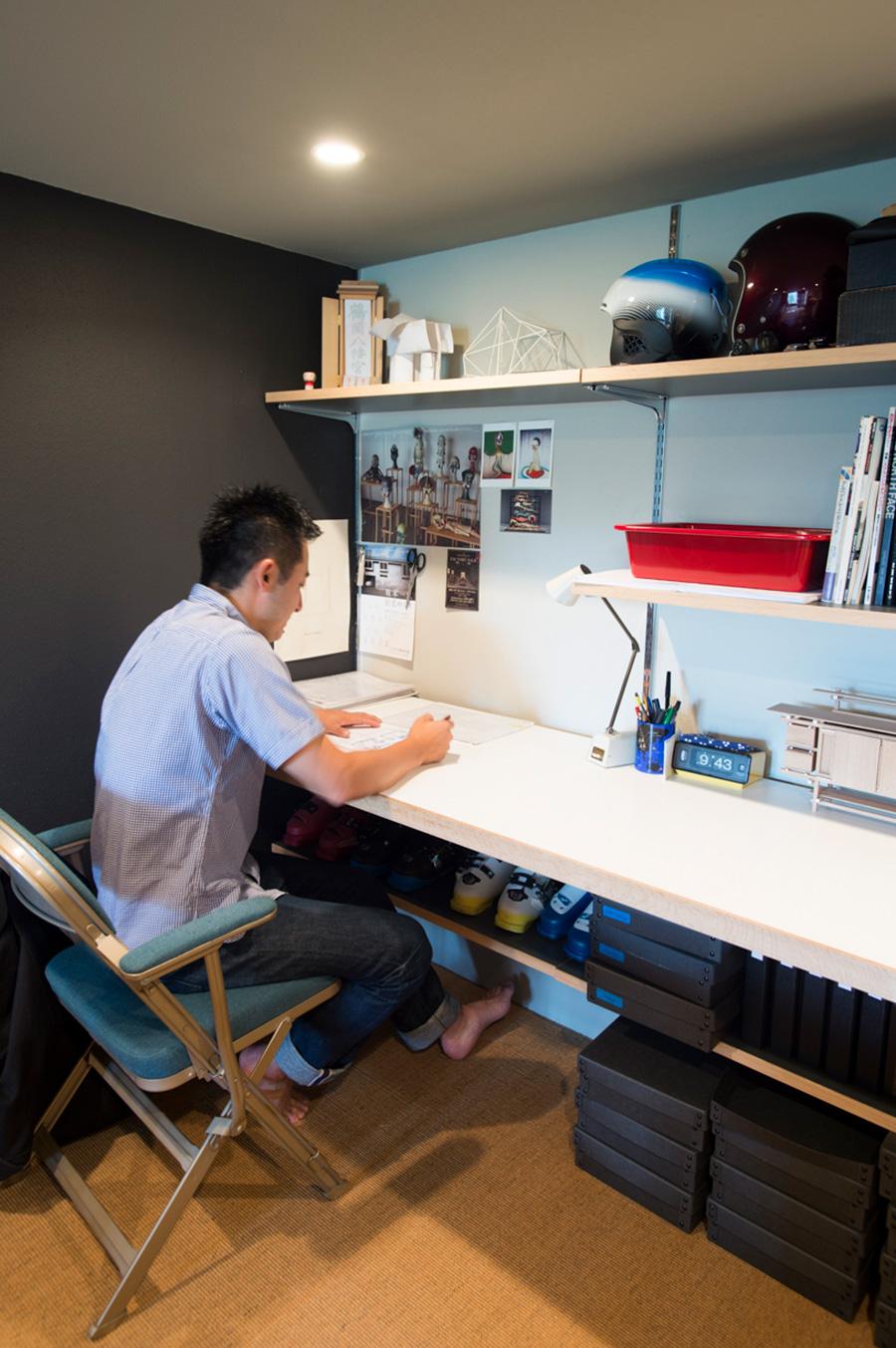 家具のデザイン、設計などを行う渡邊謙一郎さん。