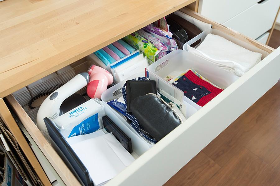 財布、ハンカチなど出かける前にカバンに入れたいものをここに。