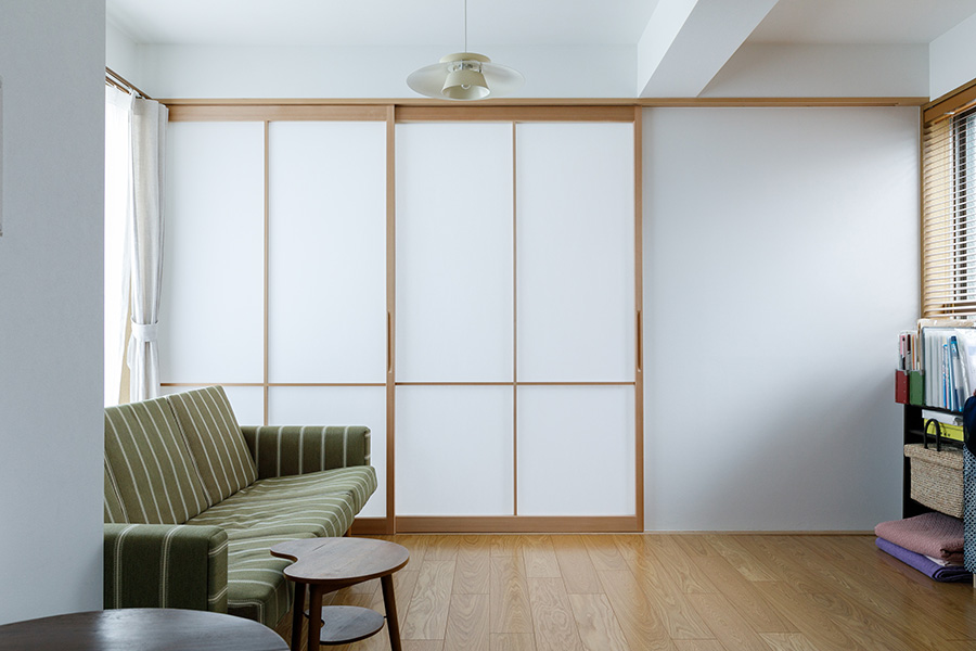 障子を閉めると、個室として利用できる。丈夫で破れにくいワーロン社の強化障子紙を採用。