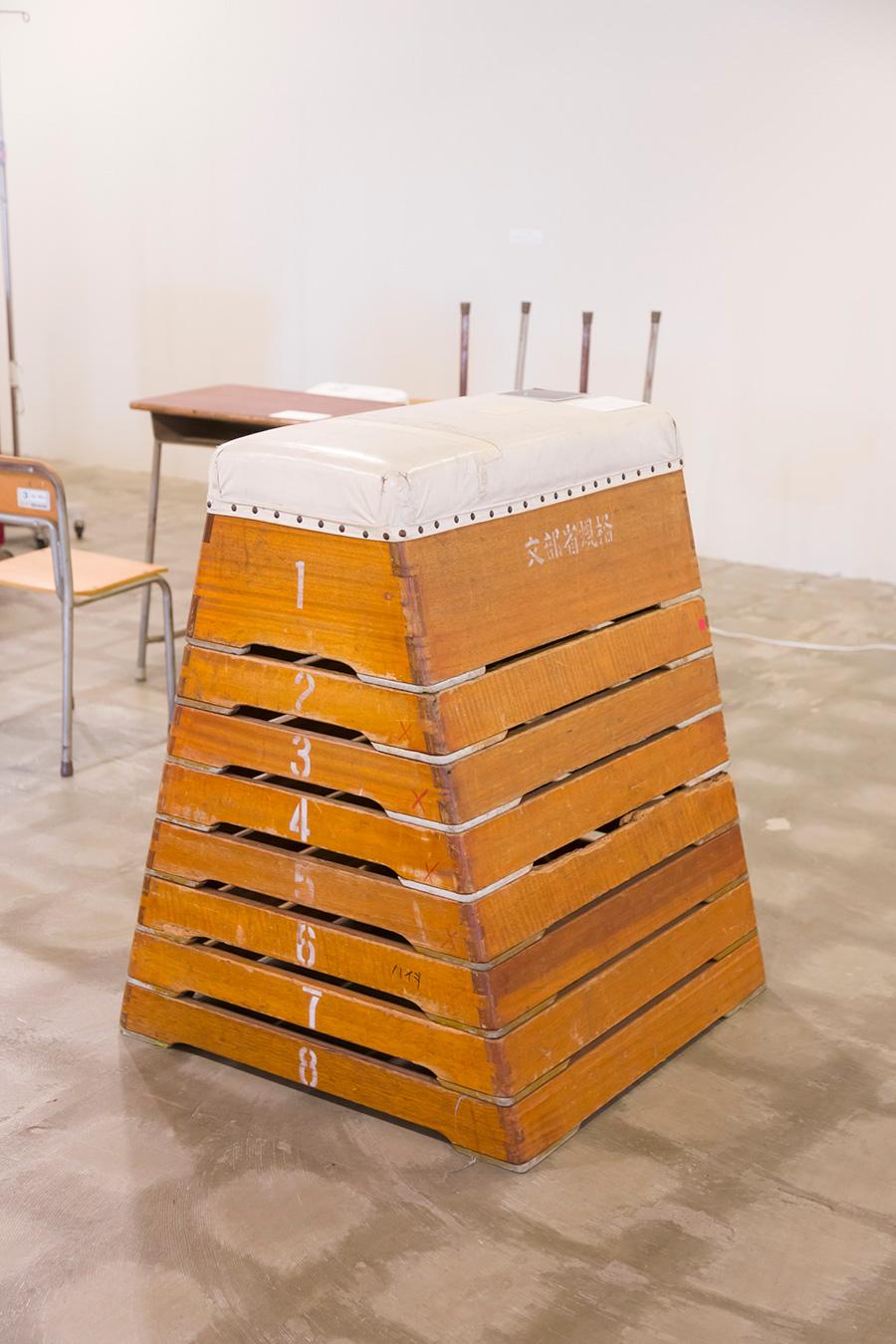 [VAULTIN TABLE & BENCHCHの材料] 体育の授業で使う備品は、学校の統廃合で出る産業廃棄物の中でもアップサイクルし辛いもののひとつ。