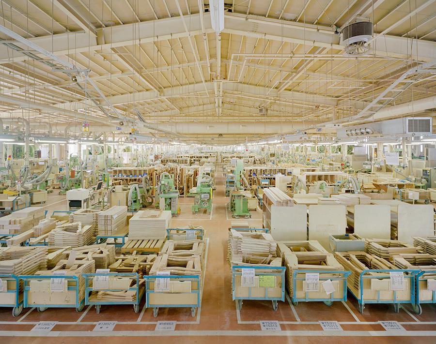 愛知県・東浦町の巨大なカリモクの工場。カリモクニューニュースタンダードもここで生産されている。