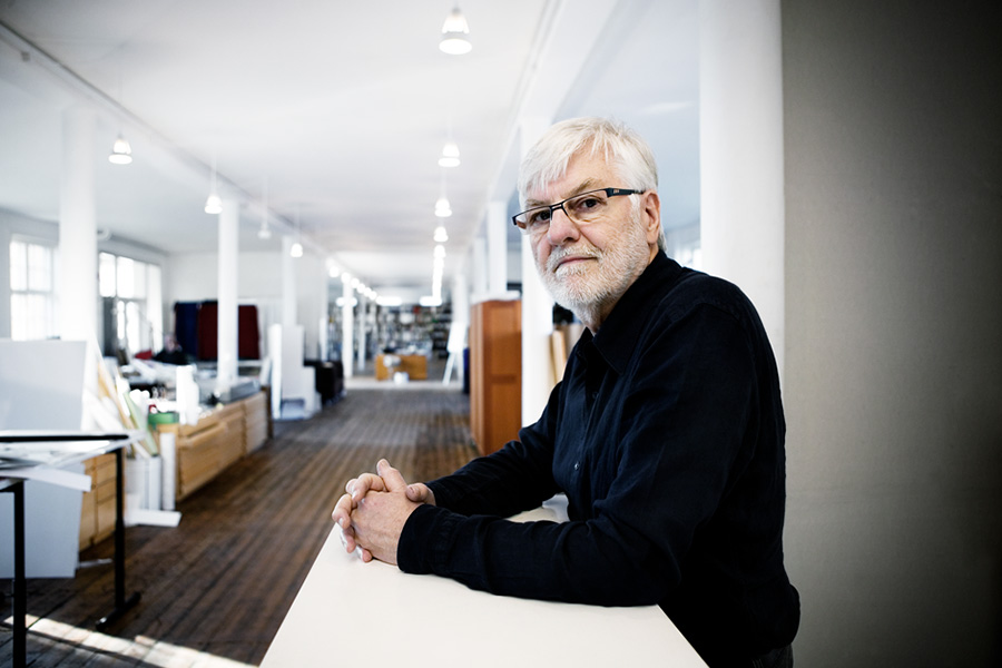 バング&オルフセンのチーフデザイナーだったデビッド・ルイス。