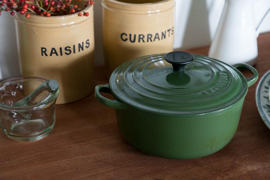 20代の頃、一人暮らしを始める時にお母様から贈られたル・クルーゼの鍋。