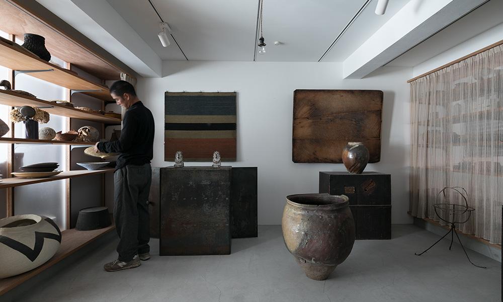 好きなものに囲まれて暮らす家  ギャラリーを作り アートと共に生活する