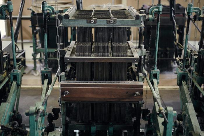 機械の中枢部分となる「ジャガード」と呼ばれる柄出し装置。