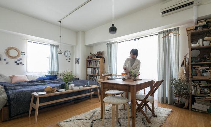 組み合わせを楽しむ好きなものを無理なく合わせるワンルームの部屋づくりと暮らし