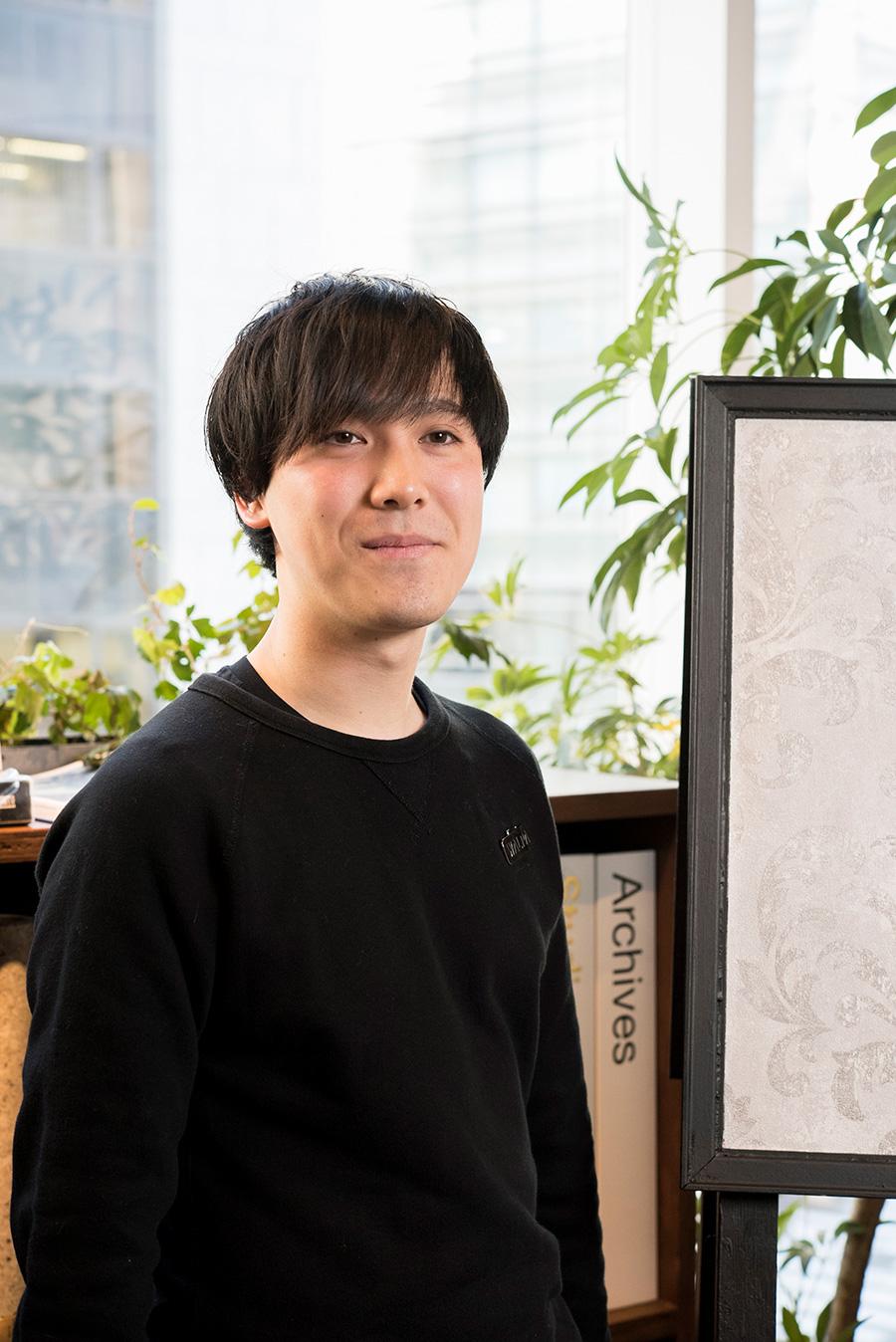 「WALPA store GINZA」マネージャー臼井啓太さん。