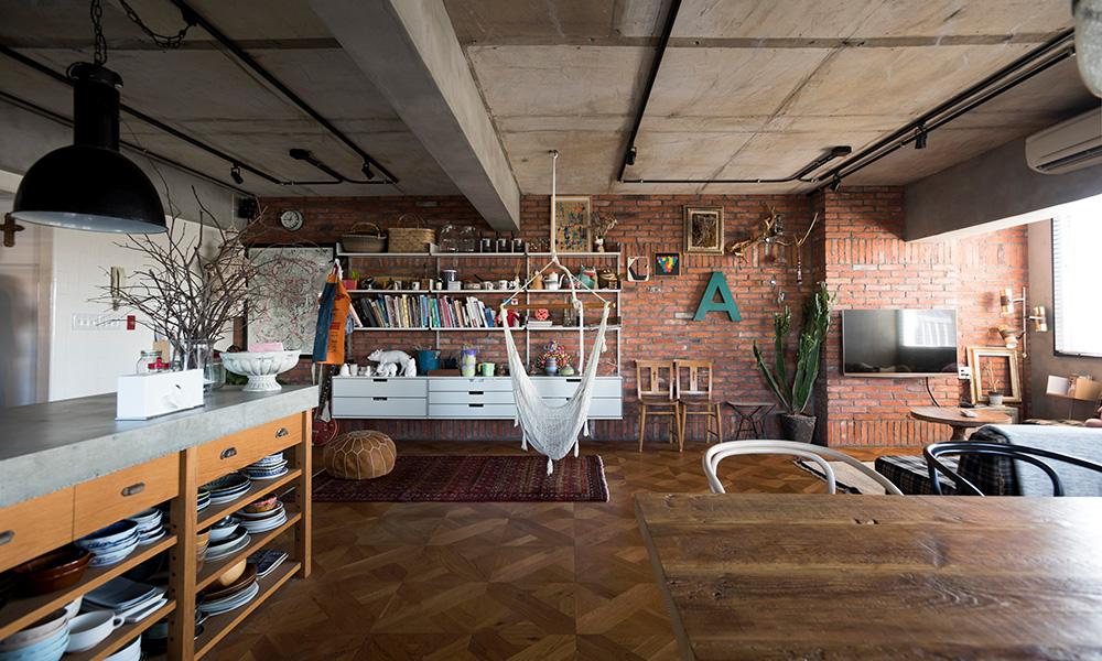 インテリアデザイナーのリノベ  異素材、異空間が調和する わがままを叶えた家