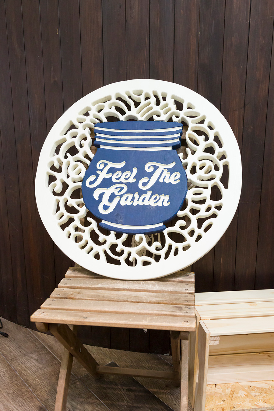 『Feel The Garden』では、大小様々な苔のテラリウムの販売をはじめ、自分で苔のテラリウムの制作を楽しむためのキット、ワークショップなどを開催している。