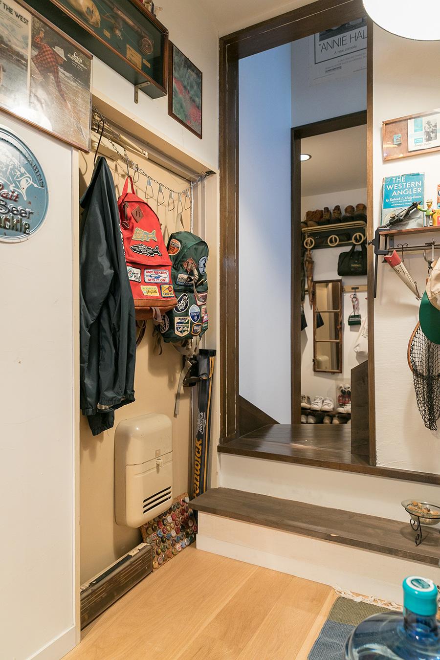 別世帯だった部屋の玄関ドアを塞がず、あえて残しているのがおもしろい。