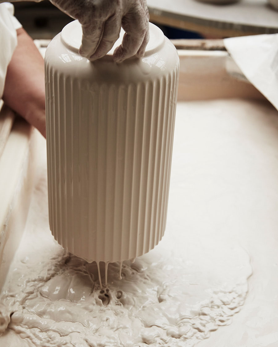 独特の柔らかい色合いを生み出す釉薬。