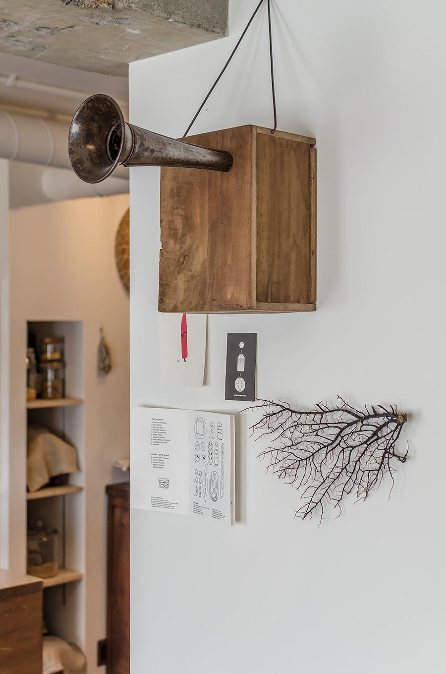 福岡の家具店「クランク」の木製スピーカー。