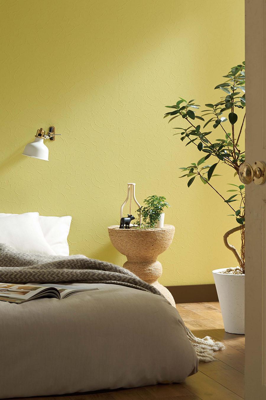 抗アレル機能を持つ壁紙もある。壁紙表面の抗アレルゲン剤が空気中に浮遊するアレル物質と接触し、その働きを低減する。品番:FE-1716。