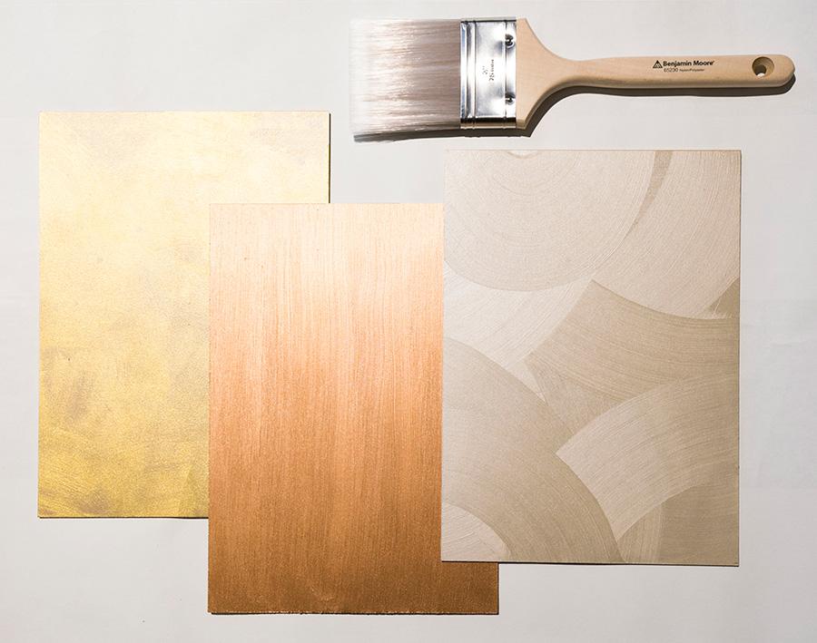 """塗料が乾く前にブラシを使って描く""""ブラッシング""""。弧を描いたり、縦に線を入れたり自由にデザイン。線の出やすいちょっと固めのブラシを使うと良いそう。こちらのブラシは¥2570。"""