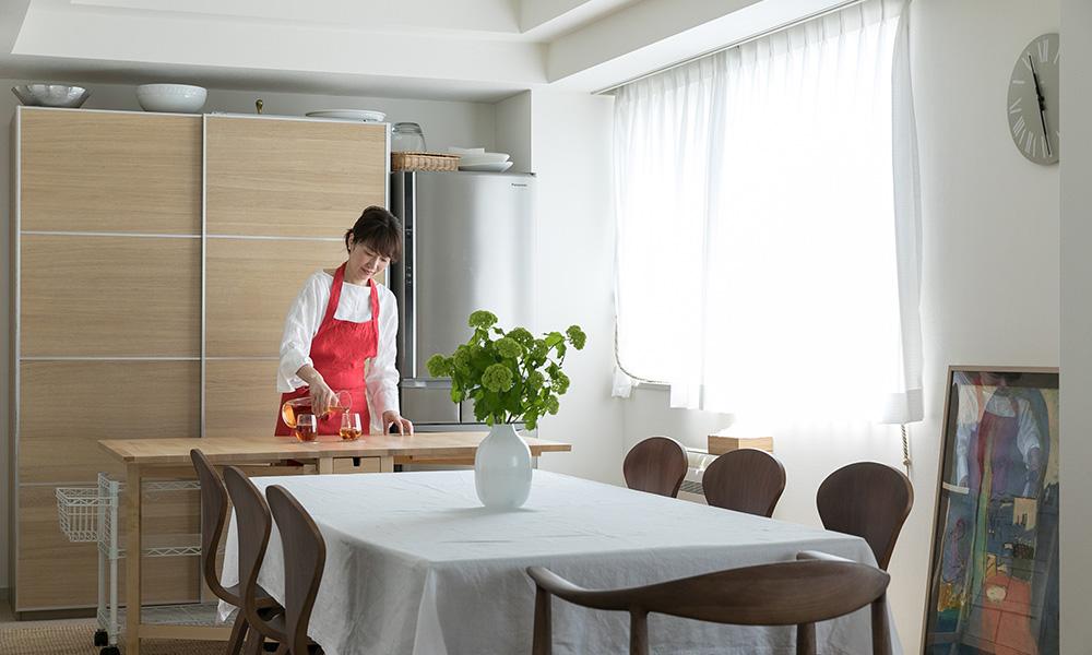 料理家夫妻と3兄弟の住まい 食とアート、家族の時間を慈しむ  外国人仕様のヴィンテージマンション