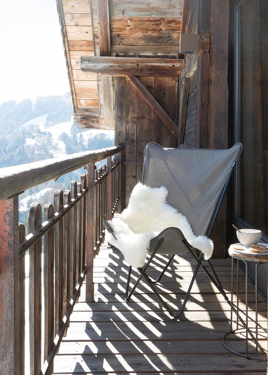 冬のテラスにも。 © LAFUMA MOBILIER – Pierrick Verny