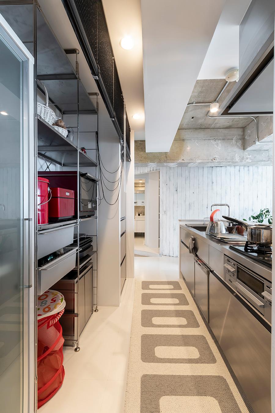 「sanwa company」のステンレスキッチン。