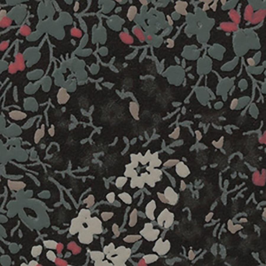 カモフラ柄のカラーバリエーションは全部で4種類。赤い小花が混じった色もある。部分から全体が想像できないのも、今回のシリーズの面白さ。品番:RE-7330