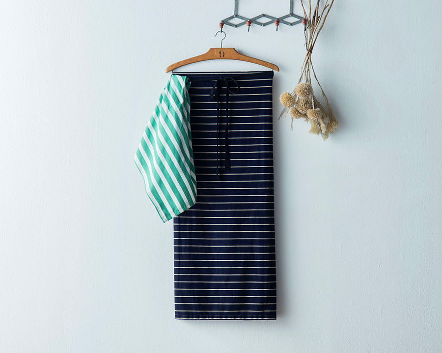 TEA TOWEL(GREEN + WHITE3) ¥1,500 BUTCHERS STRIPE WAIST APRON ¥8,500 Yarmo x The Tastemakers & Co.