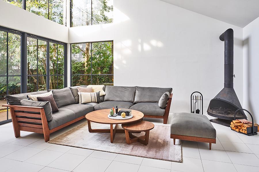 ソファやローテーブルなど、様々なラインナップが用意されている。