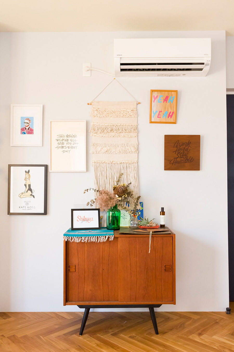 「green and black smithのウッドバーニング、レターボーイ、ナイジェルグラフ、MASAKI NAKAMURA、そして僕の作品を飾っています」