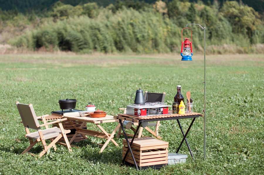 キャンプ道具をスタックボックスに入れておく。家とキャンプ場で荷物の入れ替えはしない。簡単、便利。
