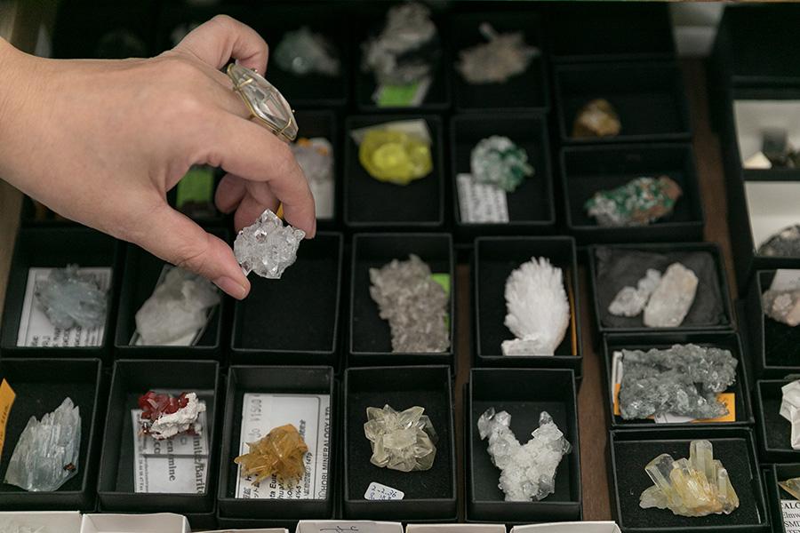 My collectionの鉱物標本のごく一部。好みは繊細な形と煌きのある質感の鉱物。