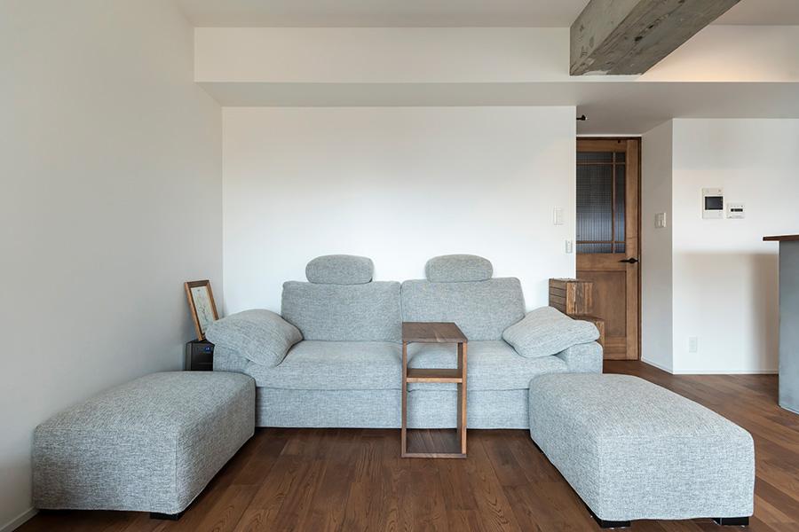 ソファは前の家から使っている「大塚家具」のもの。