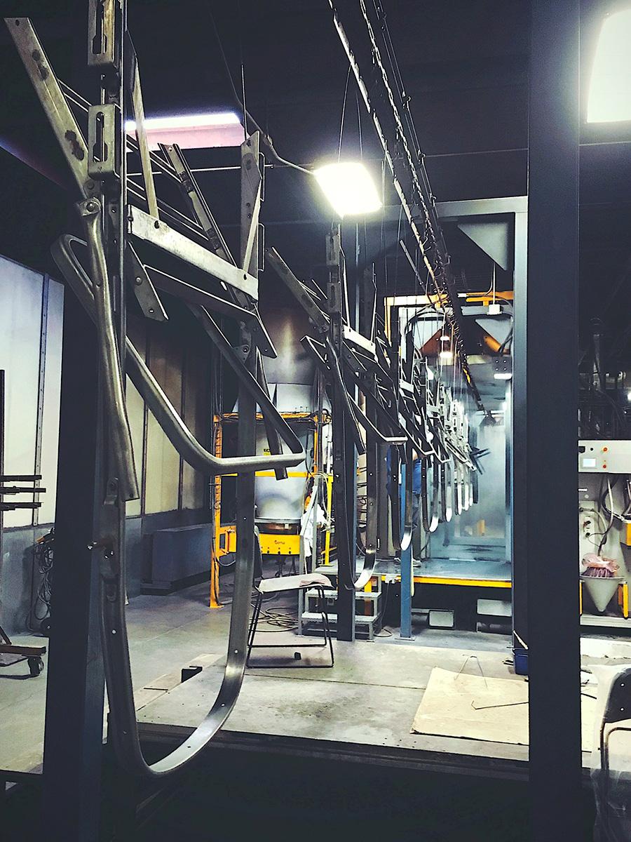 溶接から組立まで、一貫して自社工場で製造。MADE IN USA