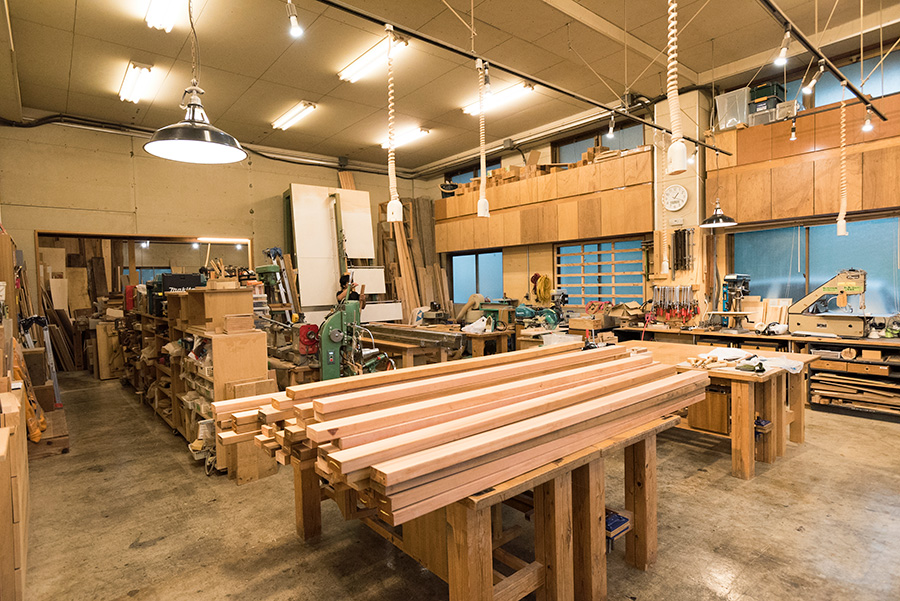 「WOODWORK CENTER」は、オーダーメイド家具の設計・製造を行う「相談家具屋」が運営。木工教室、ワークショップなどを通して木工DIYライフをサポートしてくれる。10月27、28日には作品展も開催。