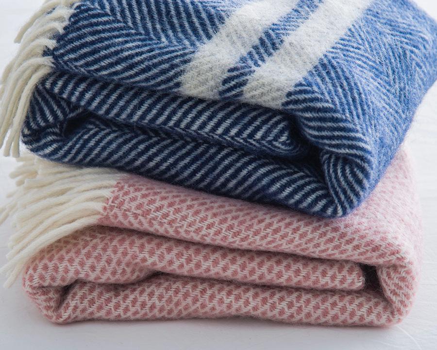 織りの質感や色合いが魅力。