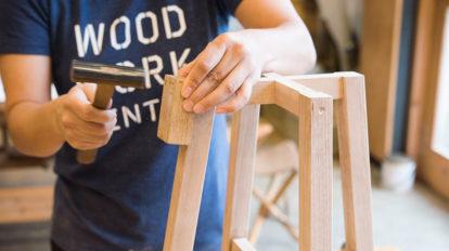 こんなスツールを作りたい! Part2  大事なポイントをおさえて 堅牢なスツールを組み立てる